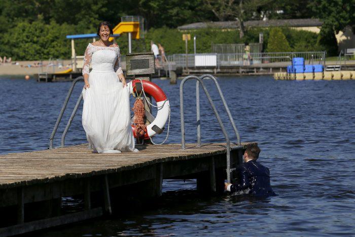 After Wedding Shooting im Wasser Lübeck